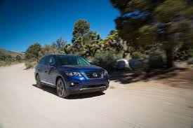 nissan pathfinder towing capacity 2016 2017 nissan pathfinder gets new face greater towing abilities