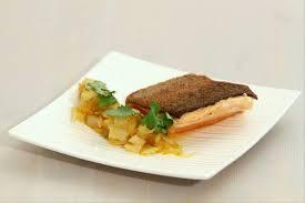 cuisiner filet de truite recette de filet de truite aux endives caramélisées parfum de jus