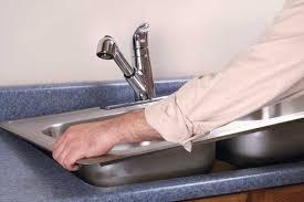 montage evier cuisine montage d un évier par un plombier combien ça coûte