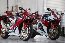 honda cbr1000cc 2017 honda cbr1000rr sp and sp2 first look 18 fast facts