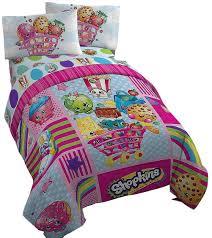 amazon com shopkins comforter and twin sheet set girls bedding