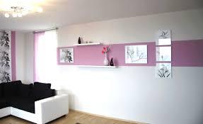 Schlafzimmer Ideen Flieder Lila Streifen Wand