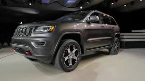 jeep cherokee black with black rims jeep grand cherokee trailhawk headlines 2017 model year updates