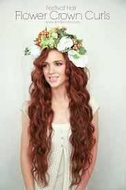 how to get a lifted crown hairdo the freckled fox festival hair week flower crown curls