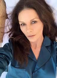 catherine zeta jones catherine zeta jones actress wows in make up free bedroom selfie