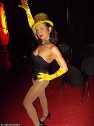 Burlesque Halloween Costumes Movie Mother Reveals Burlesque Dancing Helped Battle Cancer Daily