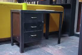 bureau enfant metal ancien bureau d enfant en métal par le marchand d oublis