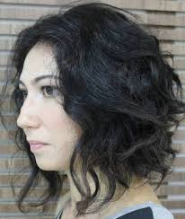 haircuts for blunt nose 30 stunning medium hairstyles for round faces