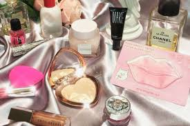 best valentines gifts 14 best beauty gifts 2018 make beauty glossier