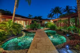 Emejing Tropical Home Designs s Amazing House Decorating