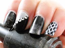 i feel polished black and silver nail art