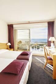 chambre vue sur mer chambres d hôtel à carnac plage avec vue sur la mer hôtel le