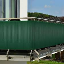 windschutz balkon plexiglas in balkon windschutz ideen anthrazit terrasse plexiglas