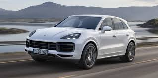 porsche cayenne turbo revealed here from mid 2018 2000x992 28924