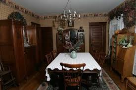Western Dining Room Antique Decor