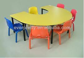 gunagzhou factory circle kids wood table and chair set preschool