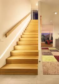gerade treppe die besten 25 handlauf treppe ideen auf handlauf