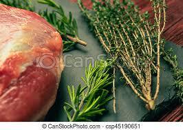planche ardoise cuisine viande ardoise porc cru planche épices images de