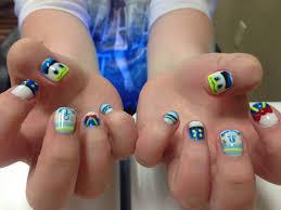 donald duck nails nail designs pinterest duck nails disney