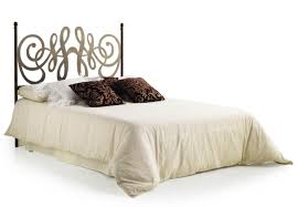 femmes de chambre synonyme chambre fille coussin chesterfield beige traineau coucher integre la