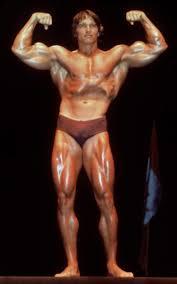 arnold schwarzenegger says he u0027throws up u0027 when looking in mirror