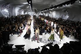 Fashion Show Floor Plan by Dior Fuses U002760s Spirit Women U0027s Lib At Paris Fashion Week Wtop