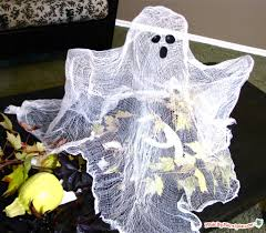 tabletop ghost made by marzipan