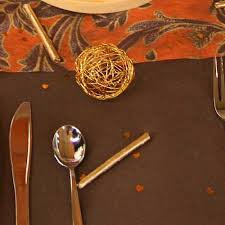 decorating ideas for fall holidays table decoration in black and