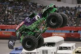 nitro monster truck feature vs teenage mutant ninja turtle nitro grave digger monster
