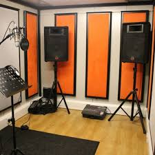small music studio very small rehearsal studio glasgow music studios
