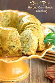 dressing recipe for thanksgiving best 25 cornbread dressing ideas on pinterest southern