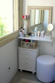 How To Make A Makeup Vanity Mirror Decor Penteadeiras Improvisadas White Makeup Vanity White