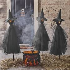 Outdoor Halloween Decorations Ideas by Spooky And Creative Outdoor Halloween Decorating Ideas