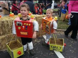 Robot Costume Halloween Diy Halloween Costumes 16 Costumes Inspire Today