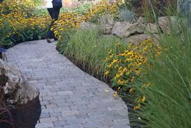 curved garden path with roman dominion pavers harvest blend
