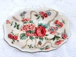 Shabby Chic Soap Dish by 67 Best Vintage Soap Dishes Images On Pinterest Soap Dishes