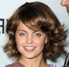 medium lengths hairstyles medium length hair mena suvari shoulder length hairstyles mena