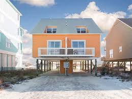 House Duplex just a flip flop throw from the water beautiful ocean front beach