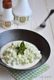 cuisiner les concombres concombres au yaourt cuisiner tout simplement le de