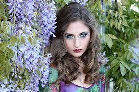 Frisur Lange Haare Kleid by Kostenlose Foto Mädchen Haar Blume Porträt Modell Frühling