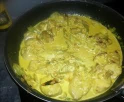 cuisiner courgettes poele poulet aux courgettes et au curry recette de poulet aux
