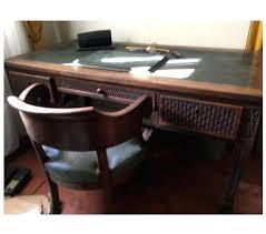 bureau ancien en bois photos vivastreet bureau ancien sculpta 3 tiroirs et fauteuil bois