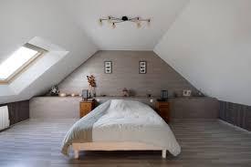 decoration chambre comble avec mur incliné chambre sous comble gallery info galerie et decoration chambre