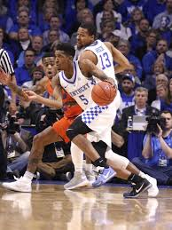 Kentucky what is traveling in basketball images Malik monk carries no 10 kentucky past no 12 florida with big jpg