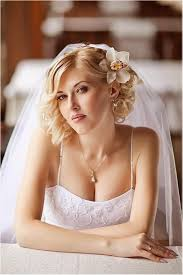 Hochsteckfrisurenen Brautfrisuren Schleier by Hochzeitsfrisuren Kurze Haare Orchidee Schleier Brautfrisur