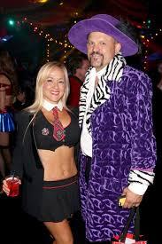 Hugh Hefner Halloween Costume Chuck Liddell Photos Photos Playboy Hugh Hefner Host Annual