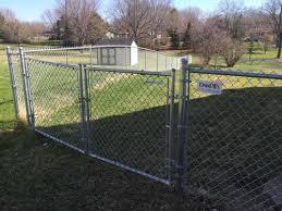 fence contractor minneapolis wood cedar vinyl aluminum backyard
