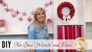 diy no sew wreath u0026 bow with jennifer bosworth of shabby fabrics