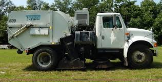 1992 international 4600 street sweeper truck item i4371