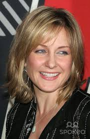 amy carlson shortest hairstyle amy carlson google search pinteres